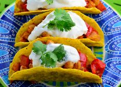 40 Dinners under 400 calories - Vegetarian Tacos Easy Healthy Dinners, Healthy Dinner Recipes, Mexican Food Recipes, Tortilla Recipes, Skinny Recipes, Vegetarian Tacos, Vegetarian Recipes, Cooking Recipes, Vegetarian Dinners