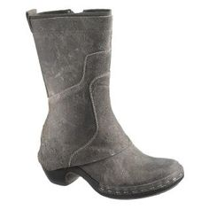 Merrell Women's Luxe Pull Zip Casual Boots in grey. brown and black also available