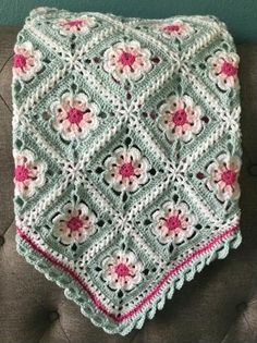 Crochet Granny Square Blankets Floral Baby Blanket Photo Prop Pink Aqua – Reminiscent of your childhood tea set, this sweet Tea Party baby blanket is. Crochet Puff Flower, Crochet Flower Patterns, Afghan Crochet Patterns, Crochet Flowers, Blanket Crochet, Crochet Ideas, Crochet Daisy, Kids Crochet, Vintage Crochet