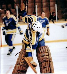Mike Liut Hockey Goalie, Hockey Games, Nhl, Goalie Mask, St Louis Blues, Pipes, Old School, History, Gallery