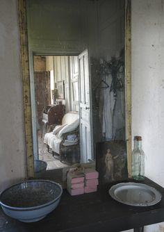 Le Château, Peter Gabriëlse's home, Normandy, France, first floor bathroom