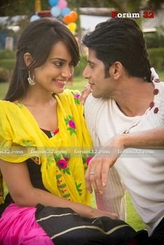 Qubool Hai, Pretty And Cute, Couple Pictures, Beautiful Actresses, Qoutes, Bollywood, Celebrity Style, Sari, Celebrities