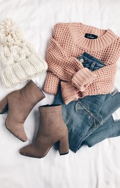 Cute casual outfit. The mink boots and baby pink knitwear bring this ensemble together perfectly | Stylish outfit suggestions for women who love fashion.