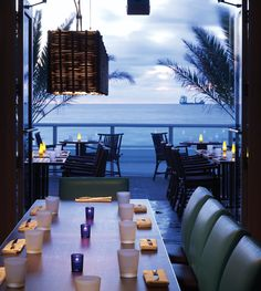 Dining with a View: Fort Lauderdale With stunning vistas of the Intracoastal Waterway and the Atlantic Ocean lapping at our heels, there's no shortage of waterfront restaurants in South Florida. Our editorial team narrowed down the list to these 17 can't-miss restaurants from Fort Lauderdale to Boynton Beach that are worth visiting just for the views.