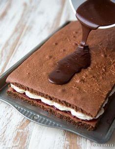 mokkapalakakku-vaihe-7 Cake Bars, Finnish Recipes, Good Food, Yummy Food, Sweet Bakery, Sweet And Salty, Something Sweet, Dessert Recipes, Desserts