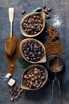 Coffee composition - Top view of three different varieties of coffee beans on dark vintage background - Food Styling - Stylisme culinaire - Estilismo de alimentos But First Coffee, I Love Coffee, Coffee Break, Best Coffee, My Coffee, Morning Coffee, Coffee Bean Art, Kona Coffee, French Coffee