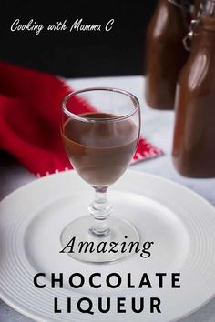 Here's a Chocolate Liqueur Recipe from Italy that you'll love! Pour this chocolate alcohol over cheesecake or ice cream, add it to your coffee or drink it straight! This homemade liqueur makes the perfect gift! Homemade Liqueur Recipes, Homemade Alcohol, Homemade Liquor, Chocolate Wine, Chocolate Liqueur, Homemade Chocolate, Alcohol Chocolate, Chocolate Heaven, Chocolate Lovers