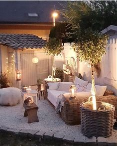 Awesome Outdoor Patio Inspiration You Have To See Patio Garden Ideas On A Budget, Diy Patio, Boho Garden Ideas, Patio Planters, Garden Inspiration, Interior Inspiration, Outdoor Rooms, Outdoor Living, Outdoor Decor