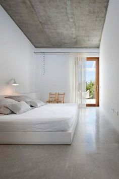 Most Simple Tips and Tricks: Minimalist Bedroom Art Decorating Ideas minimalist home style products.Urban Minimalist Interior Living Rooms minimalist home decoration life.Minimalist Decor Home House Tours. Minimalist Home Decor, Minimalist Interior, Minimalist Living, Minimalist Kitchen, Modern Minimalist Bedroom, Minimalist Lifestyle, Serene Bedroom, Home Bedroom, Bedroom Decor