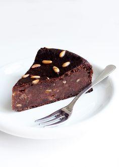 hazelnut & chocOlate bread cake