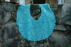 Ravelry: Tumbling Deco pattern by Holly Chayes