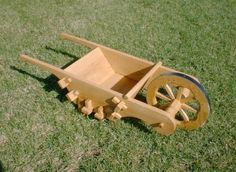Building a 16th century wheelbarrow… handy for hauling items around a campsite!