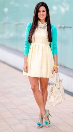 Nos encanta como María Jesús de http://pinterest.com/crimenesmoda/ combino nuestras sandalias 65147 suave turquesa en su look de vestido corto, chaqueta y collar de perlas.  Todos los detalles en su post:http://www.fashionsalade.com/crimenesdelamoda/2013/05/27/diy-collar-racimo-de-perlas/