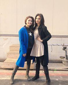 Alia and Mouni Roy on the sets of Brahmastra. Hindi Actress, Actress Pics, Old Actress, Indian Tv Actress, Indian Actresses, Bollywood Actors, Bollywood Celebrities, Alia Bhatt Varun Dhawan