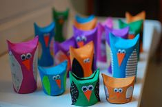 Cute owl crafts made from toilet paper rolls Projects For Kids, Craft Projects, Craft Ideas, Crafts To Make, Crafts For Kids, Easy Crafts, Paper Owls, Toilet Paper Roll Crafts, Diy Paper