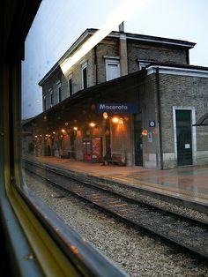 C'è chi arriva e c'è chi va... #Macerata Macerata, Bella, Viajes, Italia, Fotografia