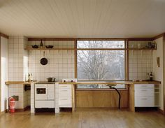5-general-architecture-sweden-summer-house-photo-by-mikael-olsson-web_large