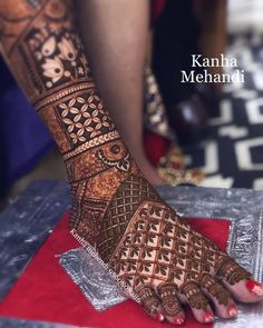 Trendy and Beautiful Bridal Mehndi Designs – Tikli There are different rumors about the history of the marriage dress;