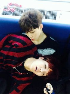 J-Hope and Jimin.... This is too cute...ahhhgggg the feels