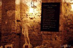 Piazza Restaurant in London Visit my blog: http://tygrysiaki.pl/