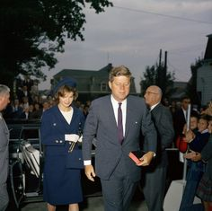 Kennedy arriving at mass.