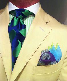 thesnobreport: WIWT Khaki suit Ralph Lauren, green striped shirt with contrasting white collar Purple Label, blue/green paisley tie Richard James, cotton square by Paul Stuart. Sharp Dressed Man, Well Dressed Men, Mens Fashion Suits, Mens Suits, Khaki Suits, La Mode Masculine, Mens Attire, Dandy, Suit And Tie