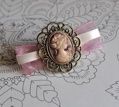 Cameo French Hair Clip ♡
