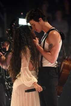 """Shawn Mendes and Camila Cabello's sexual chemistry was strong as they performed """"Señorita"""" at the 2019 MTV Video Music Awards. Shawn Mendes Imagines, Mtv Video Music Award, Music Awards, Ed Sheeran, Aaliyah, Shawn Mendes Camila Cabello, Divas, Fangirl, Foto Gif"""
