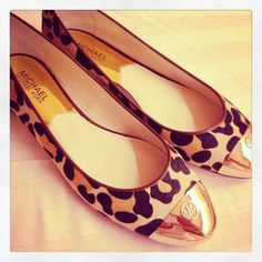 I WANNA SCREAM RIGHT NOW!!! Soooo freakin cute these are!! Michael Kors Leopard Ballerinas