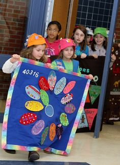 troop flag... Very cute idea for the first meeting to bring the girls together