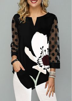 The perfect blouse to pair with white jeans or a skirt! Love the black and white pattern on the Asymmetric Hem Split Neck Large Floral Print T Shirt Trendy Tops For Women, T Shirts For Women, Free People Clothing, Looks Style, Womens Fashion, Punk Fashion, Lolita Fashion, Retro Fashion, Casual Outfits