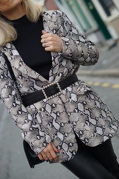 Bell Sleeves, Bell Sleeve Top, Fashion Blogs, Reptiles, Html, My Style, Outfits, Tops, Women