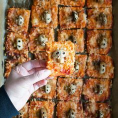 The other day I saw somebody come up with skull-shaped button mushrooms and I thought it was a great idea! So I came up with skull mushroom pizza bites, because who doesn't like pizza right? You can make those at your next Halloween party, adults and children alike will love them. Kids will learn to eat and appreciate mushrooms that way, disguised as skull heads and a little Halloween food dare game. You can prep them ahead too but I absolutely prefer them freshly baked, still hot out of the ove