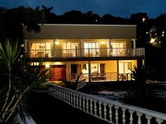 Ebenezer House in Salt Rock near Ballito, KZN - Luxury private holiday home for up to 10 guests
