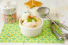 Delicious homemade peach cheesecake-ice cream