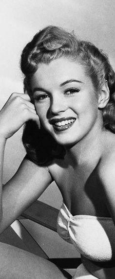 A young Marilyn Monroe, beautiful, great actress
