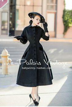 Le palais vintage My Dream Coat 1940s Fashion, Modern Fashion, Vintage Fashion, Fashion Design, Vintage Coat, Looks Vintage, Vintage Style Dresses, Vintage Outfits, Idda Van Munster