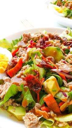 lekka sałatka z tuńczykiem i suszonymi pomidorami Cobb Salad, Risotto, Cooking, Kitchen, Recipes, Food, Havana, Tea Party, Diet