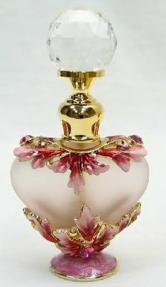 Beautiful Vintage Perfume Bottle, a lady needs a dab of perfume...=D