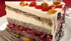 Makovo-čerešňová torta s jogurtovým krémom | DobreJedlo.sk