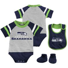 Seattle Seahawks Majestic Infant Little Player Creeper, Bootie & Bib Set – Gray