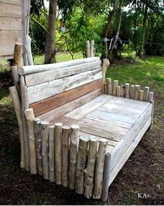 Pallet and Old Wood Log Garden Bench - 50+ DIY Pallet Ideas That Can Improve Your Home | Pallet Furniture - Part 5
