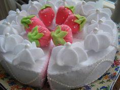 Ilona's blog: Slagroom toefjes van vilt patroon, whipped cream felt pattern