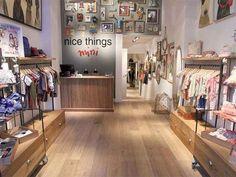 tienda de ropa infantil niño jovenes (4) Boutique Interior, Clothing Store Interior, Clothing Store Displays, Shop Interior Design, Baby Store Display, Store Layout, Cafe House, Retail Store Design, Lokal