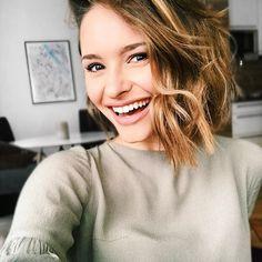 Julia Furdea @juliafurdea Instagram host Moderatorin Instagram