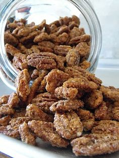 Once Upon a Cafe: Cinnamon Sugar Pecans  Wonder if I can use a sugar substitute.
