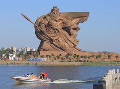 1450 Tonnen Style – China präsentiert die Mutter aller Statuen