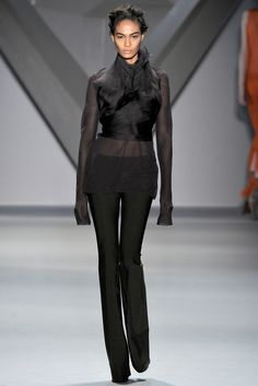 Vera Wang Fall 2012 Ready-to-Wear Collection Slideshow on Style.com