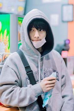 Ideal Boyfriend, Kpop Couples, Fandom, Kpop Guys, Lee Know, Handsome Boys, Cute Guys, Twitter, Children