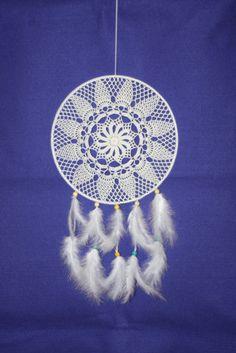 Crochet white dreamcatcher #dreamcatcher , #whitedreamcatcher , #crochetdreamcatcher , #bohochic , #bohostyle , #hippiedecor , #bohodecor , #bohodreamcatcher , #doilydreamcatcher , #weddingdreamcatcher , #babydreamcatcher , #makatarinacorner , #etsyshop